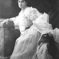 Nollie (Mabel Milburne), 1906