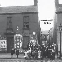 Cowan's court, belfast, 1912.jpg